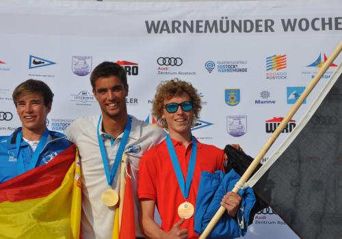 Raceboard-WM-Junioren-1.Ferran-Jurado-Besa-2.-Guillem-Segu-Gira-3.-Jonathan-Bultynck-Foto-Katrin-Heidemann