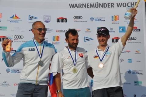 Raceboard-WM-Master-Men-1.-Patrik-Pollak-2.-Fernando-Consorte-3.-Niko-Mattig-Foto-Katrin-Heidemann
