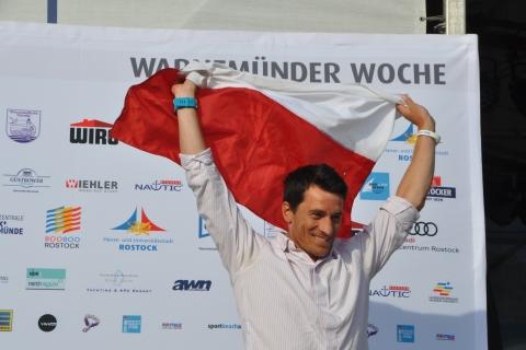 Raceboard-WM-Overall-Sieger-der-Männer-Maksymilian-Wojcik-aus-Polen-2-Foto-Katrin-Heidemann