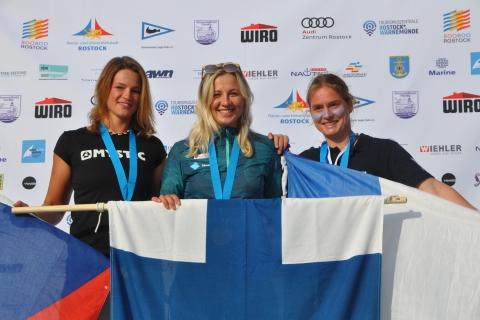 Raceboard-WM-Women-Overall-1.-Aleksandra-Blinnikka-2.-Jana-Slivova-3.-Viviane-Ventrin-Foto-Katrin-Heidemann