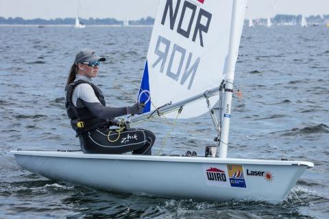 Bei den Laser Radial Women belegt Caroline ROSMO aus Norwegen zur Zeit den ersten Rang. Foto Pepe Hartmann