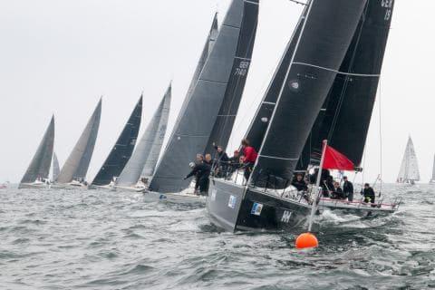 Start zur Internationalen Deutschen Meisterschaft der Seesegler