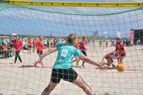 1. Tag der 24. Beachhandballtage 01