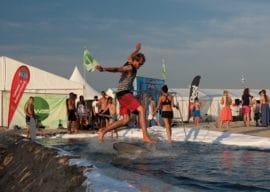 Skimborder in der Sport Beach Arena